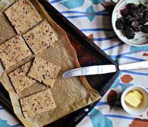 Olive and Fennel Brazil Nut Pulp Crackers